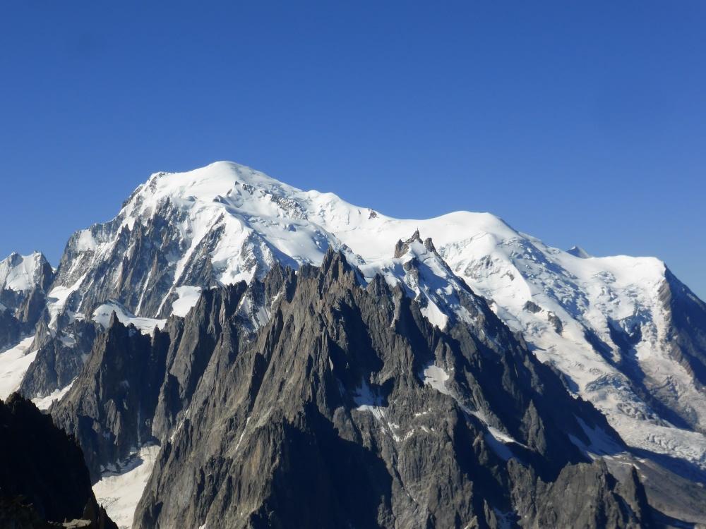 alta via les glaciers du mont blanc